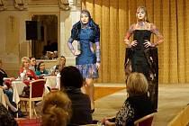 Modelky prezentovaly nejrůznější kousky ryze originálních oděvů.