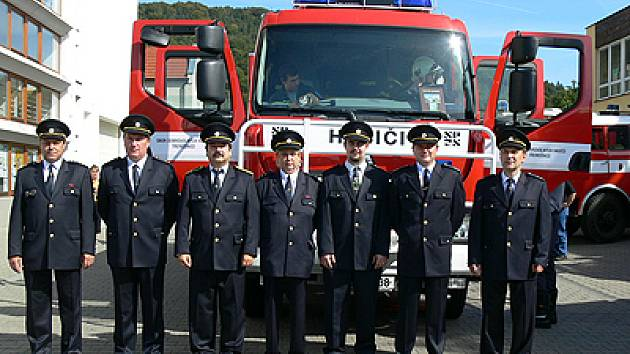 Třemošnická hasičská organizace se pyšní zbrusu novým vozidlem Renault.