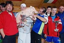 Na závěr rekreační sezony se na Seči v kraskovském kempu konal nohejbalový turnaj čtyřčlenných družstev.