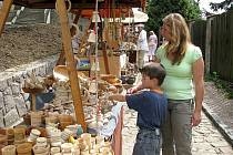 Jarmark s názvem Středověké kejklení návštěvníky doslova vtáhl do atmosféry středověkých trhů.