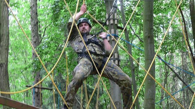 U rozhledny Bára na Podhůře čekal na výsadkáře start bojové dráhy