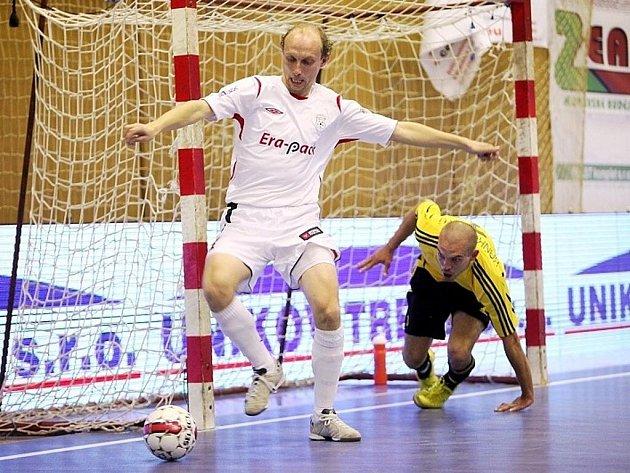 V dalším kole Jetbull Futsal ligy porazil Era-Pack Chrudim doma Nejzbach Vysoké Mýto 9:1.