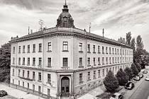 Budova Obchodní akademie v Chrudimi.