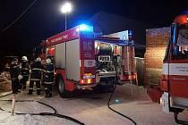 Hasiči zasahovali v pondělí 27. prosince 2010 u požáru rodinného domu v Zájezdci.