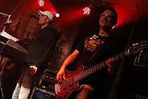 Koncert kapely Argema v areálu Cihelky v hlineckém Blatně.