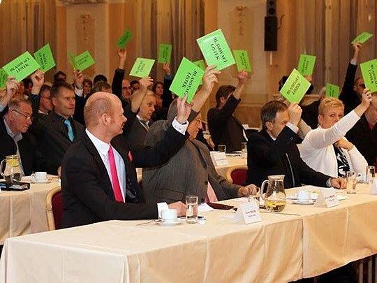 Noví zastupitelé Chrudimě na prvním zasedání pouze složili slib. Nové vedení radnice zvoleno nebylo, protože žádná z koalic zatím nezískala většinu.
