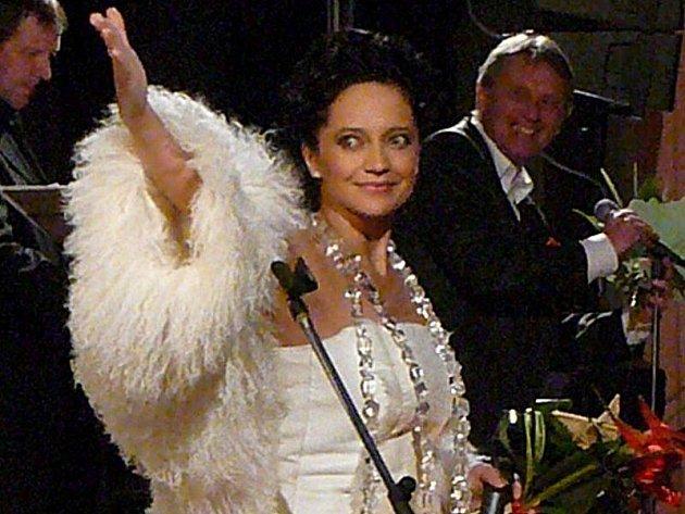Koncert Lucie Bílé se uskutečnil v chrudimském kostele Nanebevzetí Panny Marie.