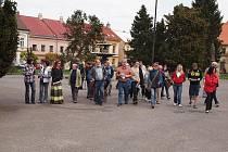 Vycházka do zámeckého parku v Heřmanově Městci se Společností přátel Železných hor.