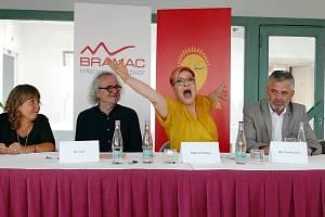 Z tiskové konference v Praze.
