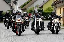 Ze čtvrtého ročníku motorkářského srazu Hardcore Extreme Days, který se uskutečnil na Konopáči u Heřmanova Městce.