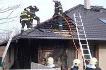 Požár rodinného domu v Chrašicích.