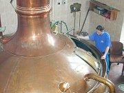 Zbrusu nový pivovar vyrůstá v chotěbořské průmyslové zóně. Pivo by se mělo začít vařit letos v dubnu a ochutnat ho budou moci i místní.