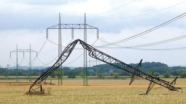 Vichřice přerušila dodávky proudu.