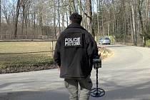 Na místo přijeli policejní pyrotechnici.