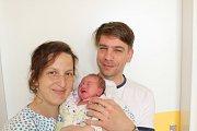 RIA SLAVÍKOVÁ (3,2 kg a 48 cm) si pro svůj příchod k rodičům Viktorovi a Pavle z Chrudimi a sestřičce Elise (3) vybrala datum 28.5. ve 12:05.