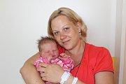 LILLY SKALOVÁ (3,49 kg a 52 cm) udělala radost 21.6. v 16:37 nejen rodičům Martině a Janu Skalovým z Mnětic, ale také 4leté sestřičce Ellence.