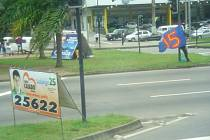 Na mobilní předvolební bilboardy lze narazit téměř všude.