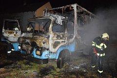 Požár obytné Avie v Krouně