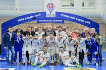 Společná fotografie vítěze Poháru FAČR 2018 - FK ERA-PACKu Chrudim