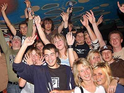 DJ Kofola v hlineckém klubu Sklep.