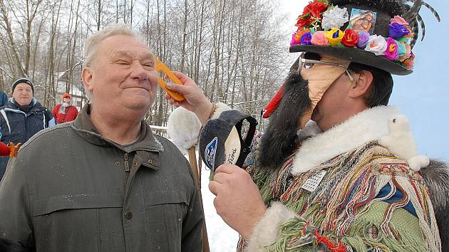 Ve skanzenu na Veselém Kopci se konala tradiční masopustní obchůzka, kterou tentokrát obstarala skupina z Vortové u Hlinska.