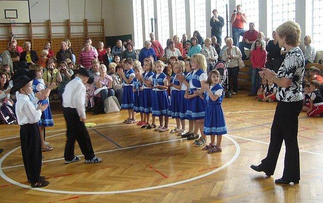 Mateřská škola U Stadionu se rozloučila s nejstaršími dětmi slavnostně.