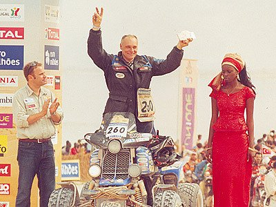Josef Macháček v cíli Rallye Dakar.
