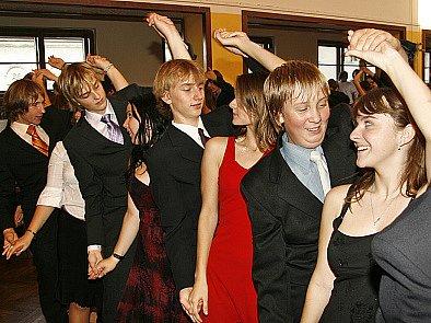 Taneční v Chrasti.