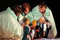 Bohatý a zajímavý program pro každou věkovou skupinu přineslo i pondělní pokračování festivalu Loutkářská Chrudim.
