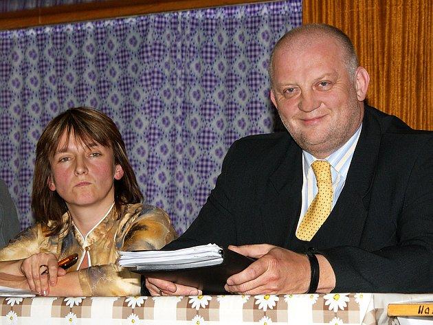 Zastupitelé Chrasti na svém jednání odvolali z funkce dosavadního chrasteckého starostu Tomáše Vagenknechta.