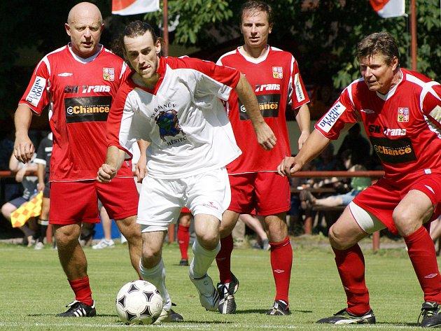 """Heřmanoměstecké """"áčko"""" vyzvalo na souboj fotbalové internacionály."""
