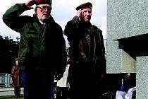 STO ŠEDESÁTÉ VÝROČÍ narození prvního československého prezidenta Tomáše G. Masaryka uctili Chrudimští v pátek u jeho sochy v parčíku u Divadla Karla Pippicha.