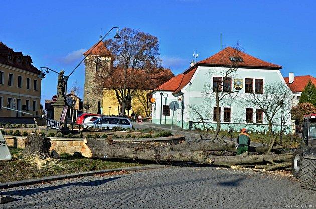 Rekonstrukce náměstí v Nasavrkách