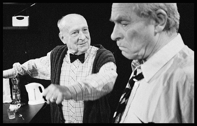 V inscenaci Ředitelská lóže účinkují Stanislav Zindulka a Alois Švehlík.