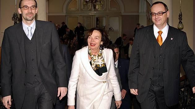 Livie Klausová v doprovodu chrudimského starosty Jana Čechlovského (vlevo) a vicehejtmana Pardubického kraje Romana Línka.