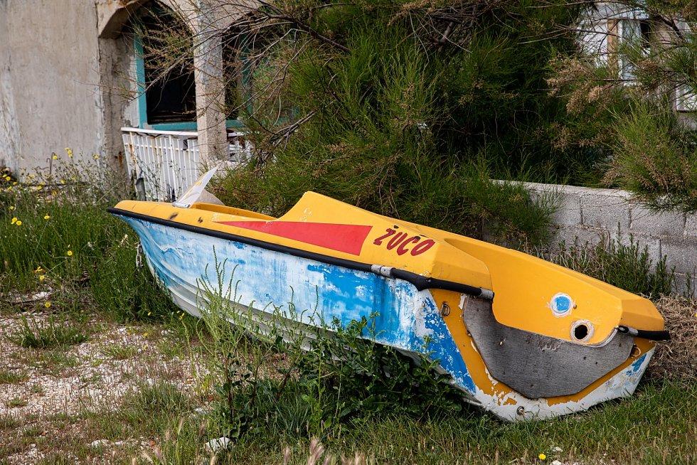 Téměř na každém chorvatském dvorku či zahradě najdete v přímořských oblastech zaparkovanou loď.