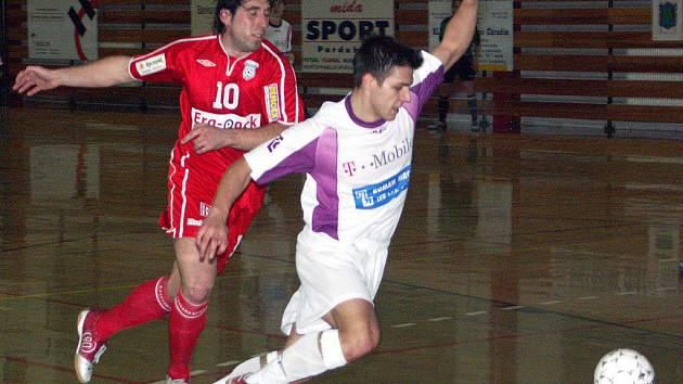 Reprezentant Tomáš Sluka z Jistebníku, který už dvakrát proti Východočechům bojoval ve finále ligového play off.