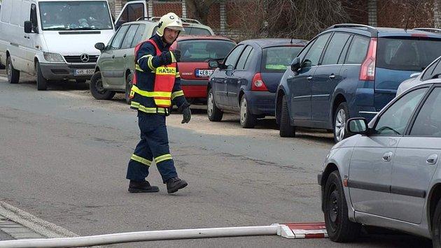 Daniel jako dobrovolný hasič.