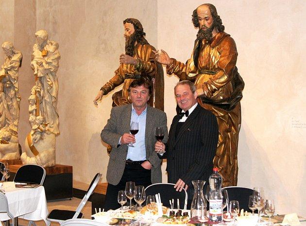 Zahájení sezony Muzea barokních soch v Chrudimi se zúčastnil i Pavel Trávníček (vlevo na snímku).