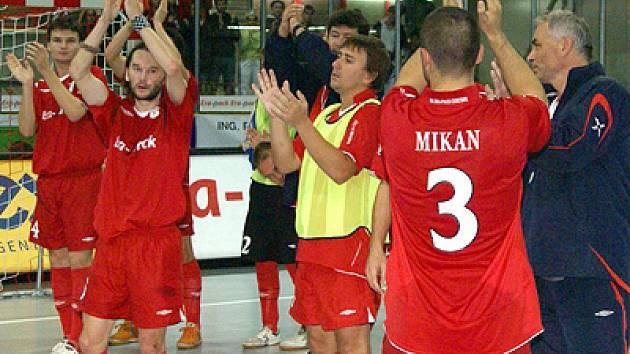 Era-Pack prohrál s Kairatem 4:5 a zůstal tak těsně před branami semifinále.