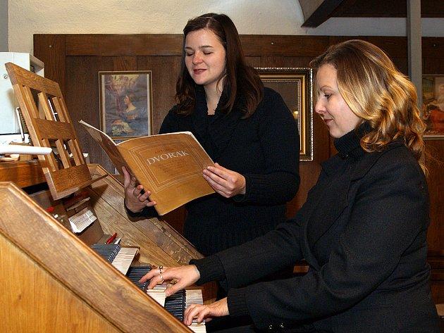 Součástí oslav byl i duchovní koncert vystoupí varhanistky Daniely a pěvkyně Jarmily Kosinových v kostele Nanebevzetí Panny Marie.