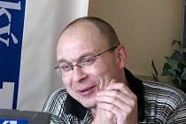 """On-line rozhovor s hlineckým mykologem Jiřím Laštůvkou """"Kudláčkem""""."""