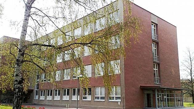 Střední škola zemědělská a Vyšší odborná škola Chrudim.