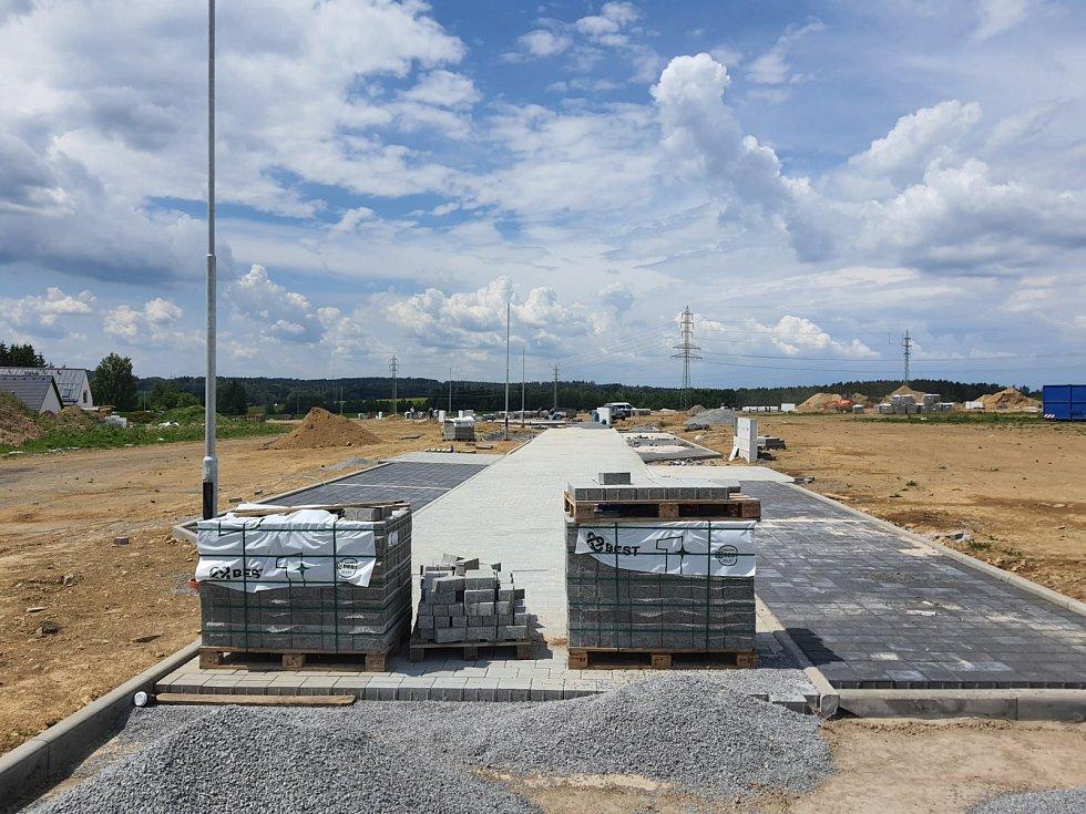 Příprava stavebních parcel na Drachtinách.