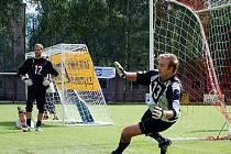 Heřmanoměstecká penalta byla součástí letošních oslav fotbalového klubu Jiskra Heřmanův Městec.