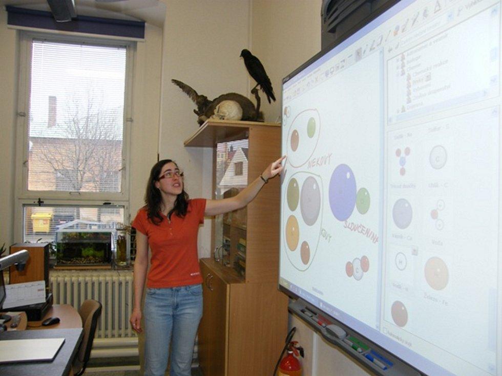 Základní škola v Husově ulici  od nového školního roku rozšíří výuku matematiky a informatiky.