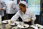 Žáci SOŠ a SOU obchodu a služeb Chrudim zabodovali v disciplinách prvního regionálního kola soutěže Gastro Junior Bidvest Cup 2013/2014 .