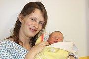 LUKÁŠ STEHNO (3,3 kg a 49 cm) je od 12.1. prvním štěstím v rodině Petra a Jany z Leštinky u Skutče. Narodil se ve 20:57.