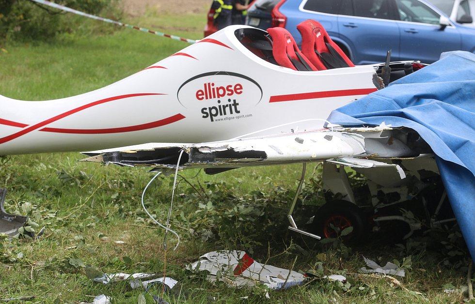 Na skutečském letišti došlo k pádu ultralehkého letadla.