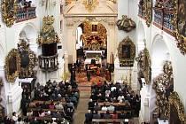 Fotografie z koncertu v kostele P. Marie na Chlumku v Luži.
